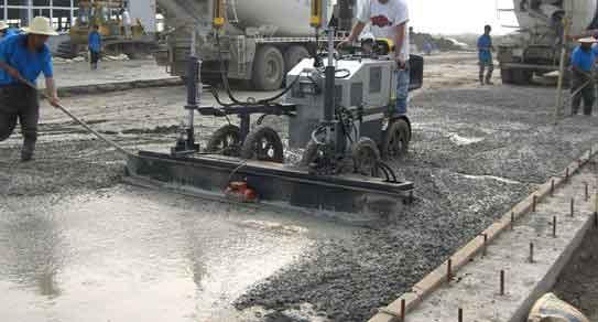 金刚砂混凝土耐磨路面施工